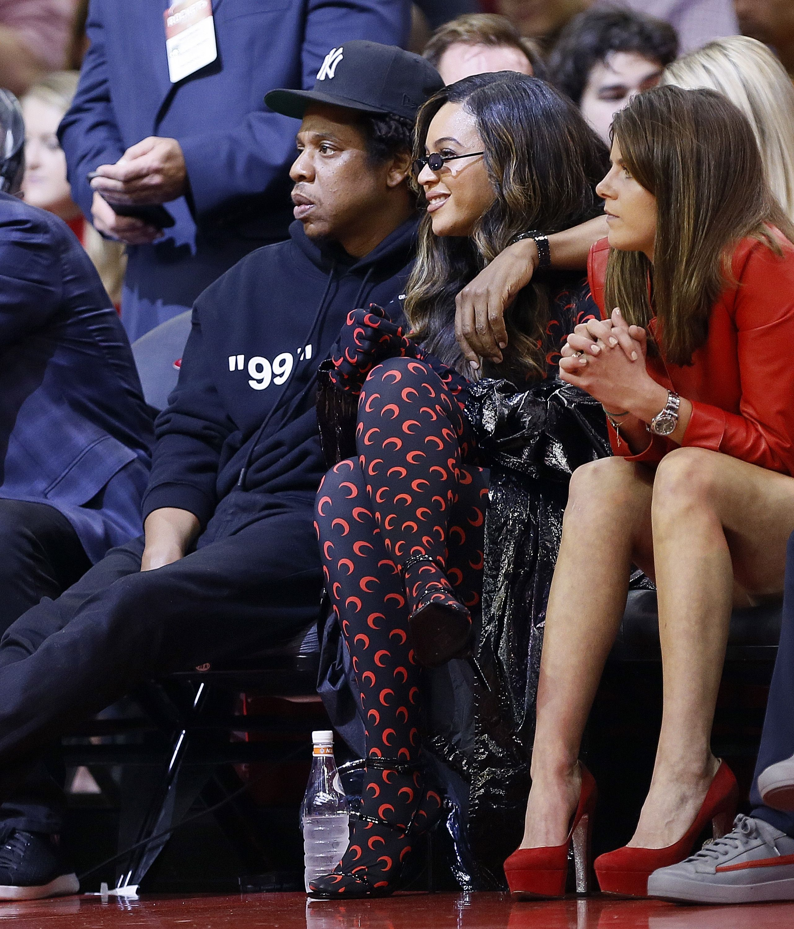 Beyoncé gives a lesson in high fashion athleisure at a local