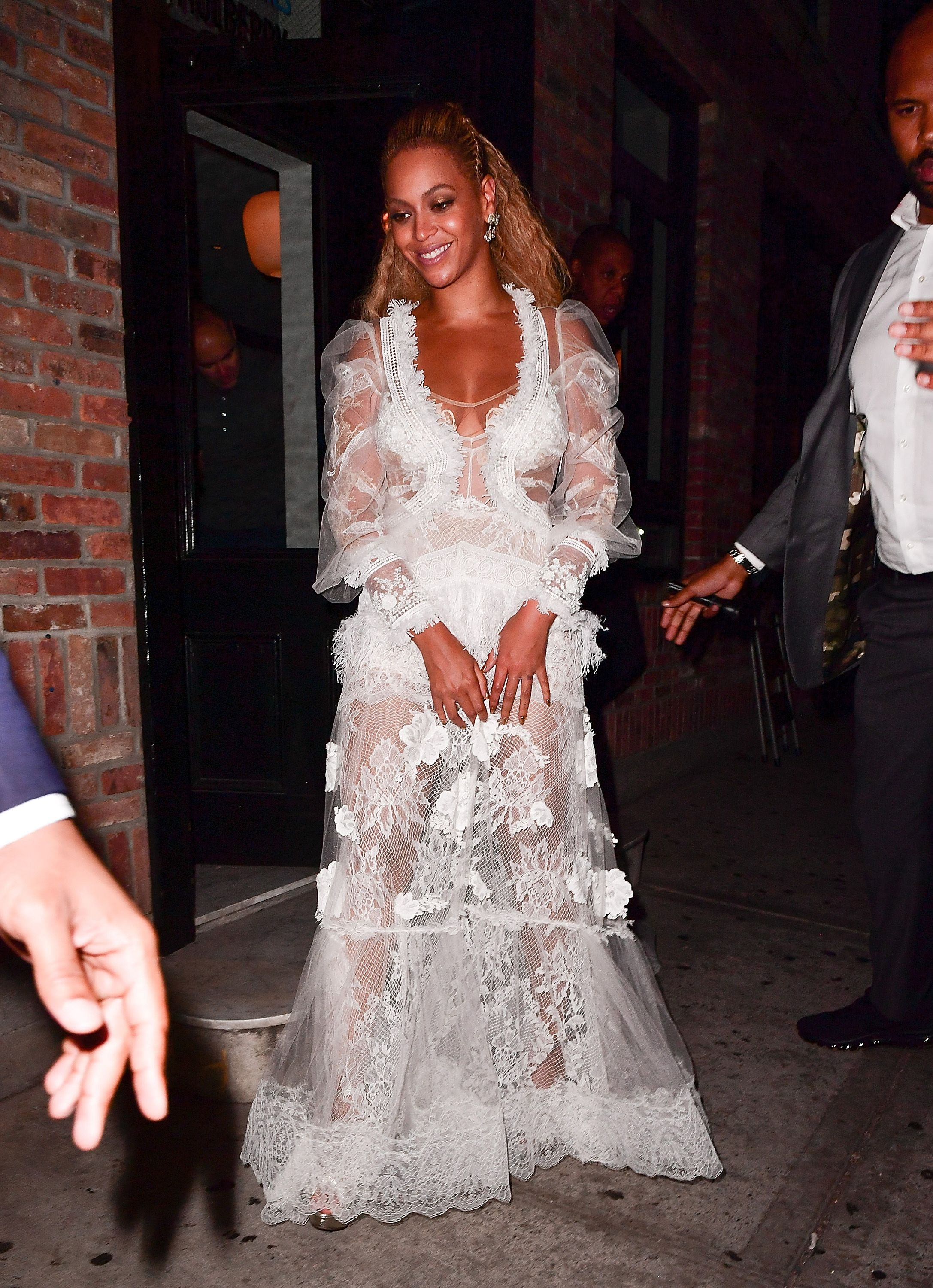 See Beyonce S Stunning Wedding Gown For Her Vow Renewal With Jay Z