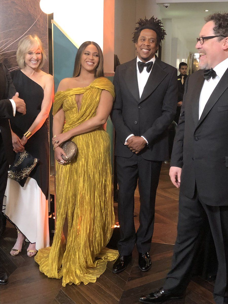 Beyoncé Wears a Stunning Yellow Gown to Lion King Premiere in London