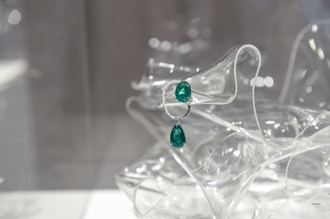 Transparent material, Green, Glass, Water, Crystal, Fashion accessory, Photography, Still life photography,