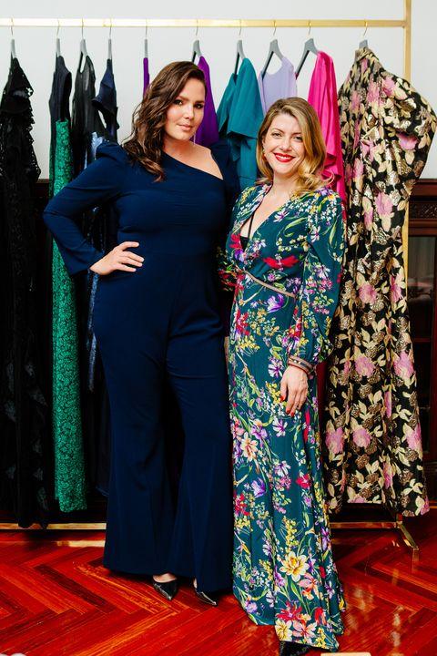 Clothing, Dress, Fashion, Carpet, Formal wear, Event, Fashion design, Flooring, Room, Haute couture,