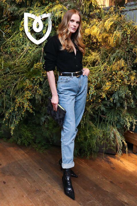 Jeans, Clothing, Denim, Waist, Fashion, Fashion model, Footwear, Shoulder, Trousers, Leg,
