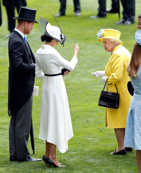 Yellow, Event, Gesture, Headgear, Uniform, Dress, Lawn, Hat, Competition event,