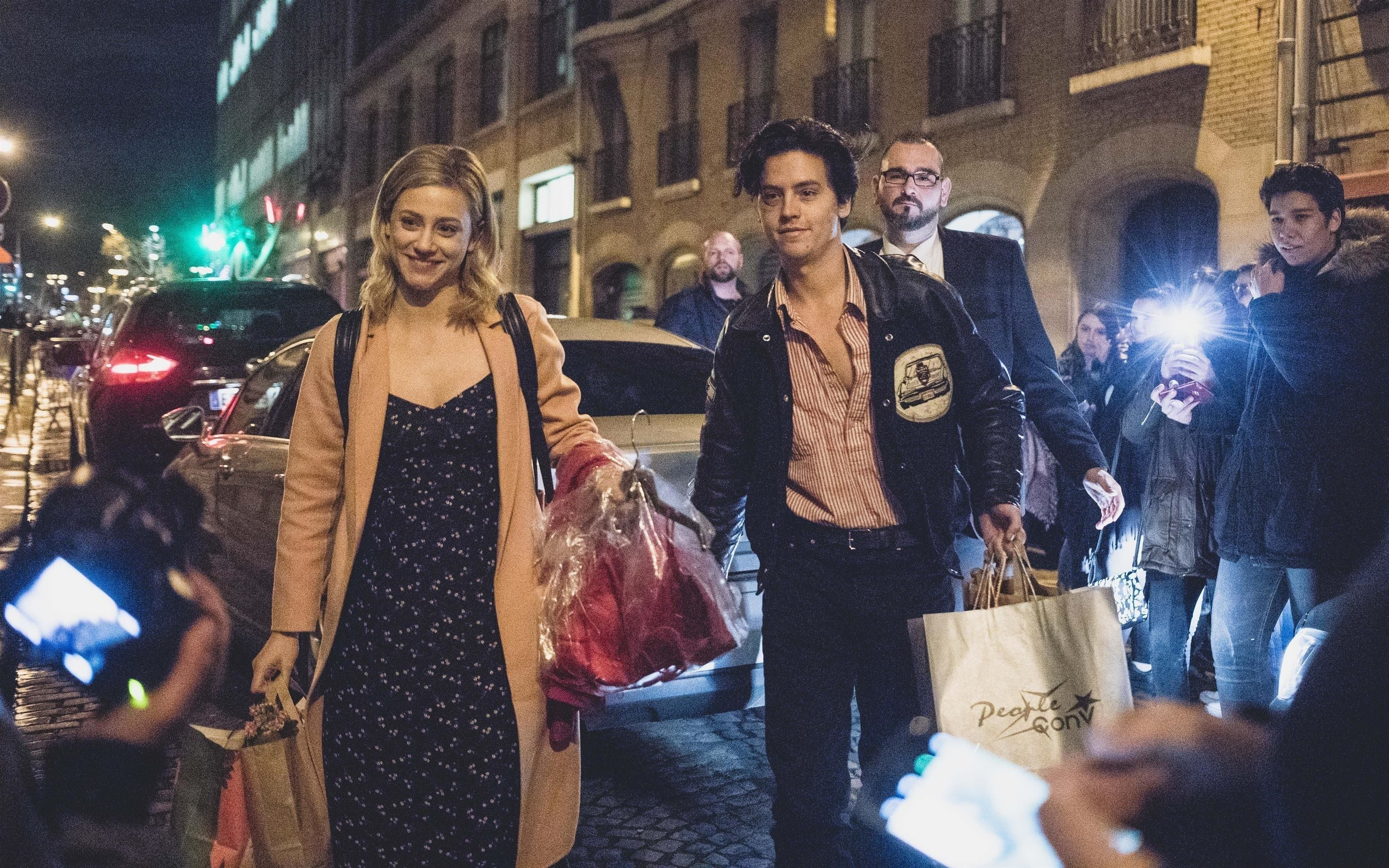 Cole sprouse and lili reinhart confirm theyre dating with kiss cole sprouse and lili reinhart confirm theyre dating with kiss photos sprousehart pda in paris m4hsunfo