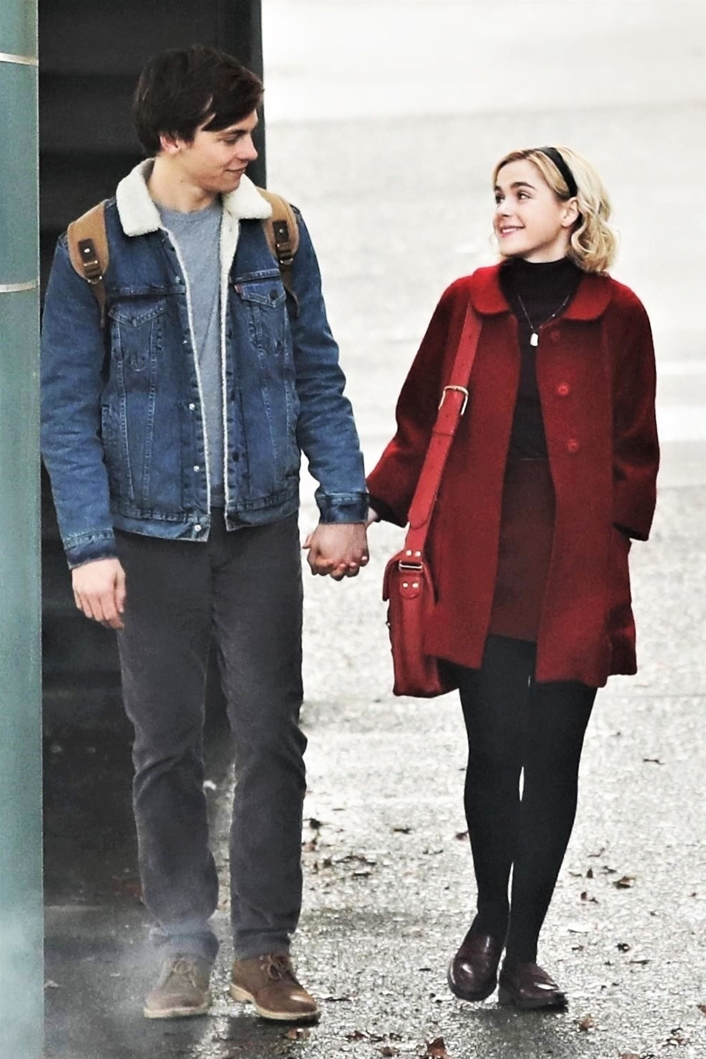 Kiernan Shipka And Ross Lynch As Netflix S Sabrina And Harvey First Chilling Adventures Of Sabrina Set Photos