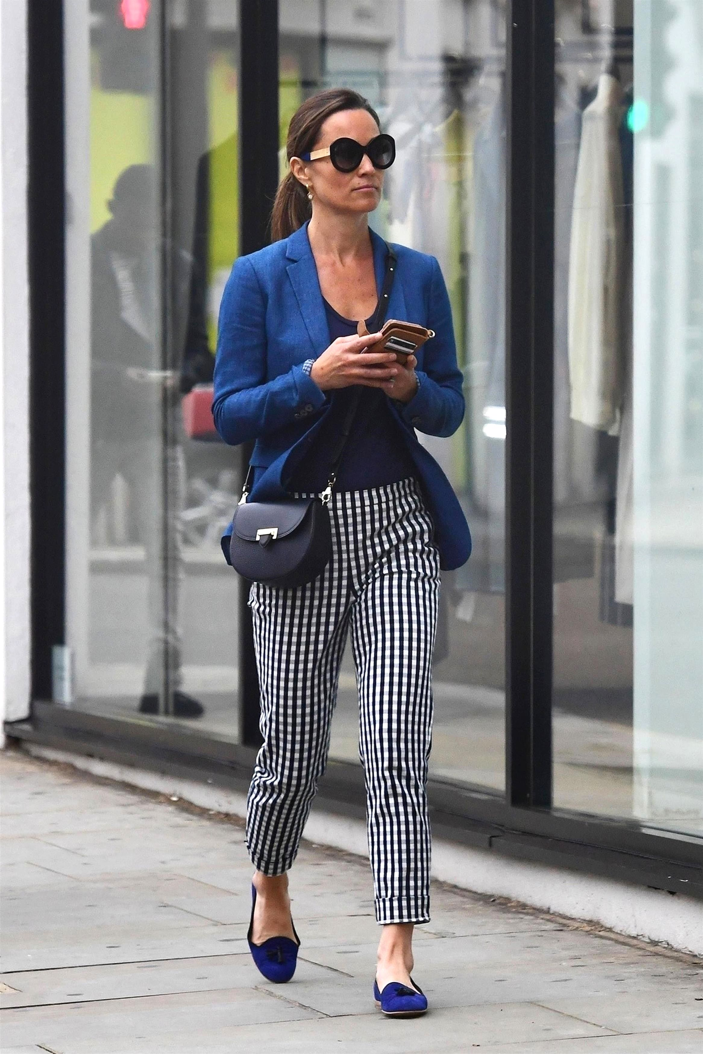 e84d3dc0f4248 Pippa Middleton Wears Gingham Check Pants in London — Pippa ...