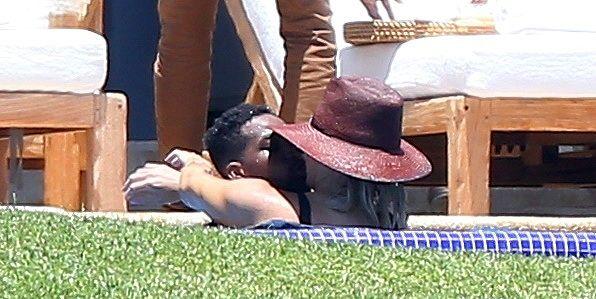 Kendall Jenner and Khloe Kardashian heat things up in Puerto Vallarta!