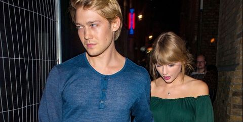 Taylor swift and joe alwyn hold hands on fancy date in london taylor swift and joe alwyn stopboris Image collections