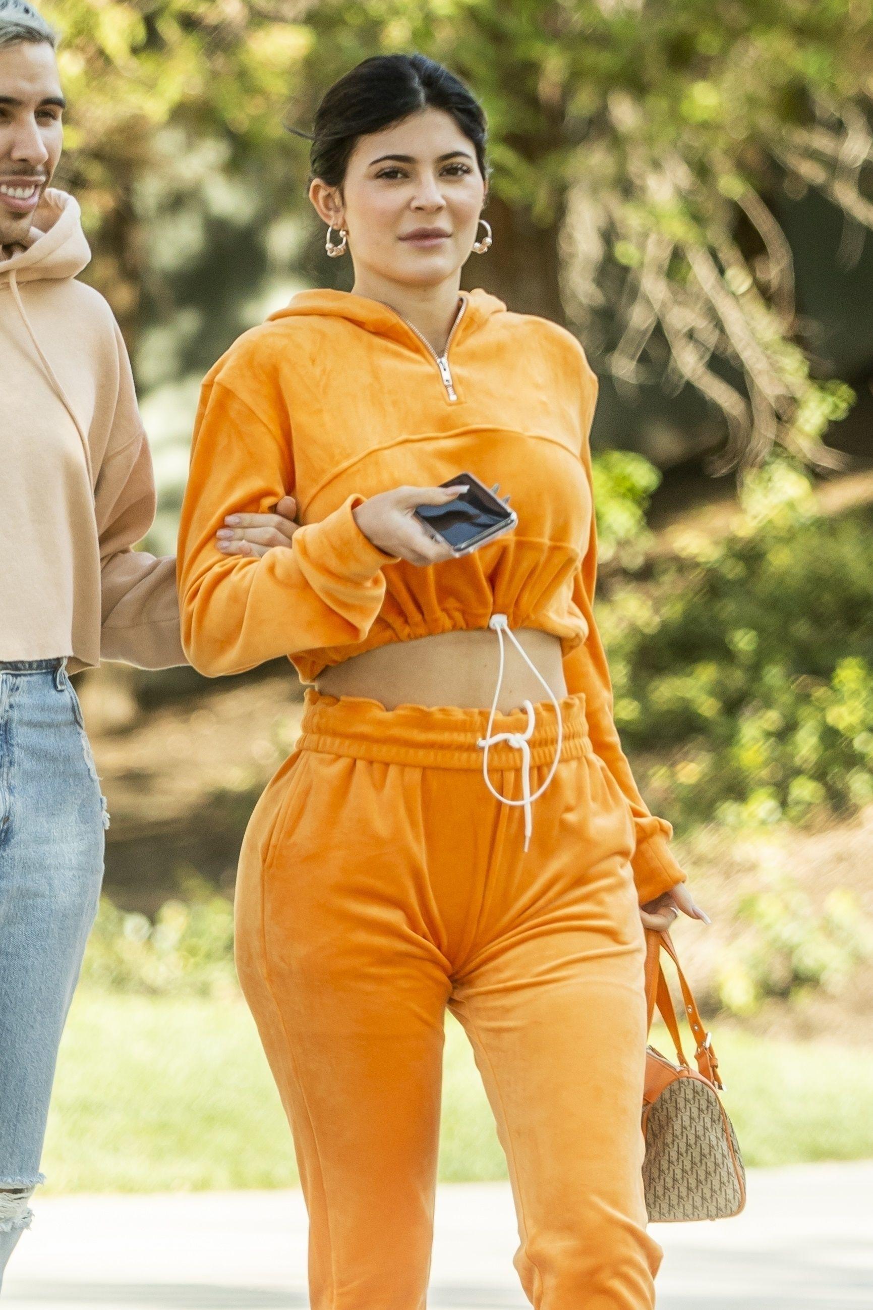 Kylie Jenner  no makeup ile ilgili görsel sonucu