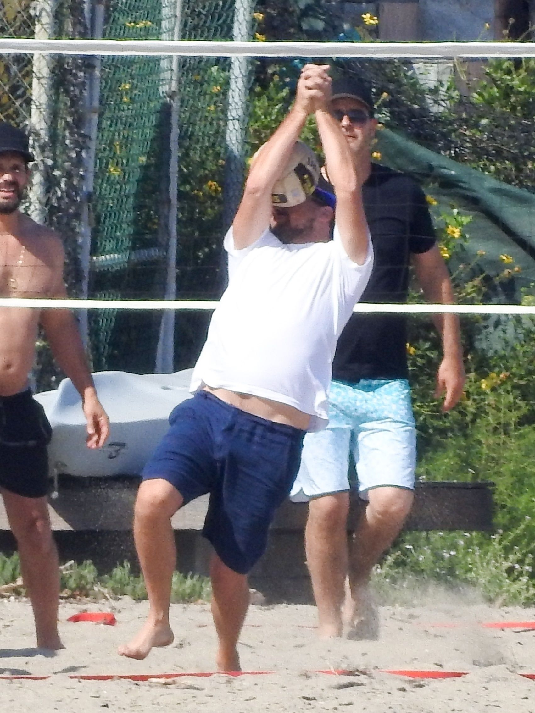 This Volleyball That Hit Leonardo DiCaprio's Face Should Go to Jail