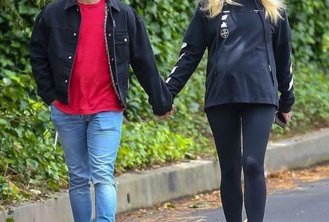 Sophie Turner Baby Bump Photos | Sophie Turner Walks With Joe Jonas