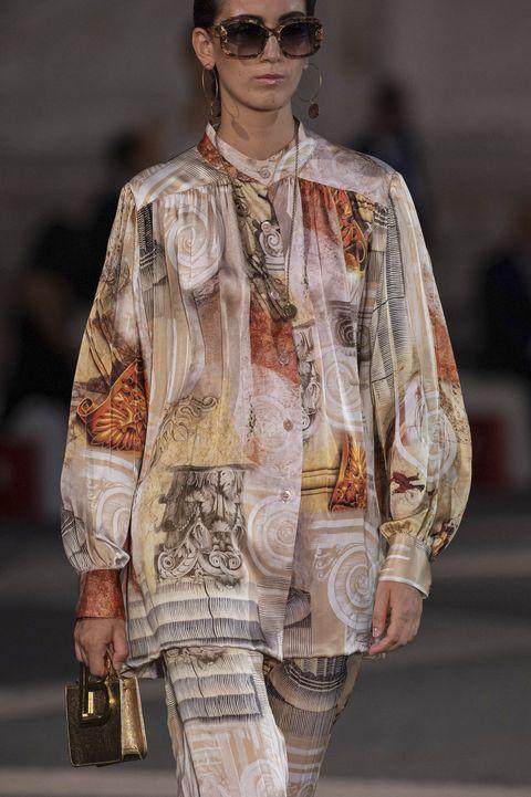 come vestirsi a 50 anni tendenze ptimavera estate 2021