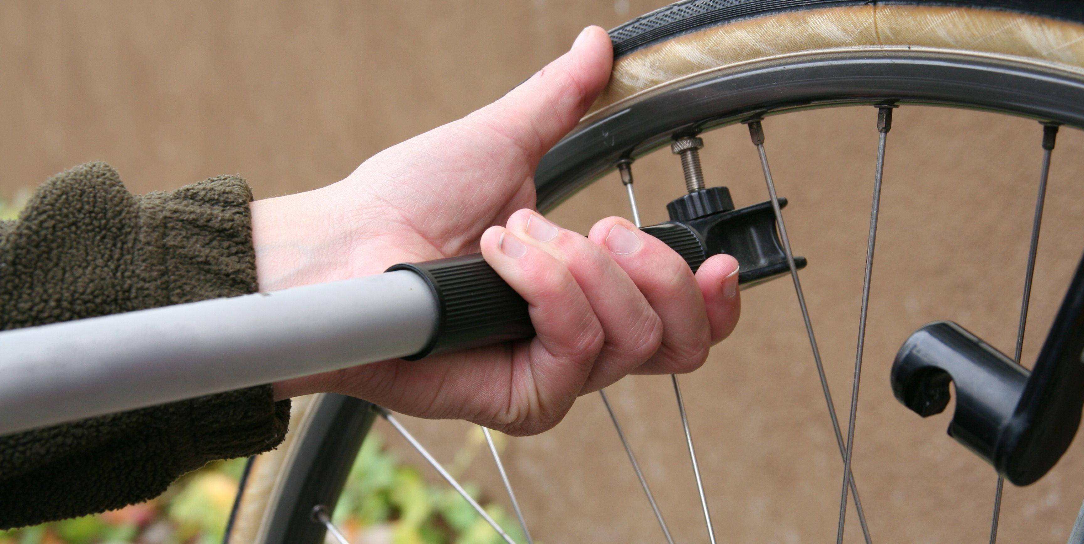 bicycle tire pump