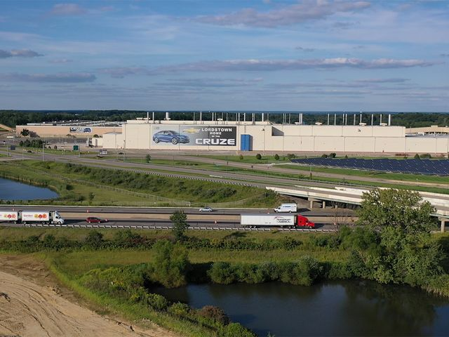 the lordstown assembly plant in lordstown ohio