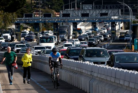 Hey Drivers: Bike Lanes Don't Cause Traffic Jams