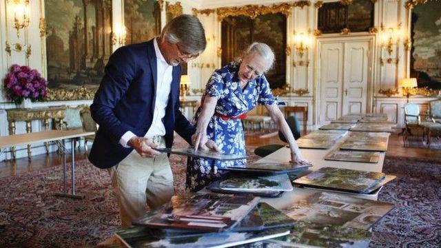 queen margrethe ii with director billie august