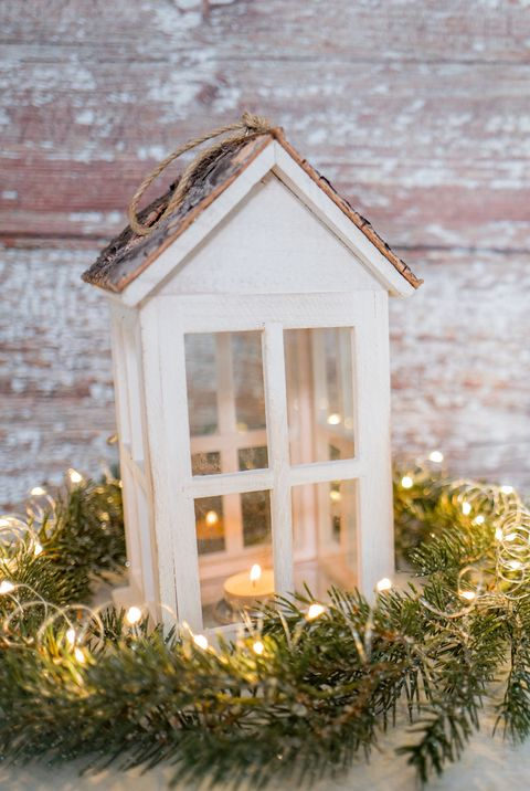 16 Diy Christmas Lanterns Christmas Lantern Decorations To Buy