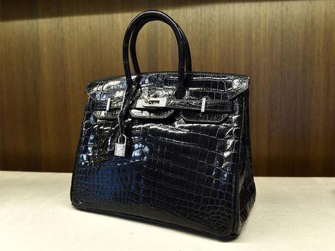 Handbag, Bag, Birkin bag, Fashion accessory, Product, Leather, Tote bag, Kelly bag, Design, Material property,