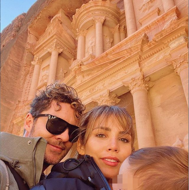 People, Eyewear, Tourism, Travel, Vacation, Architecture, Fun, Temple, Photography, Sunglasses,