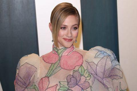 bisexual celebrities   lili reinhart