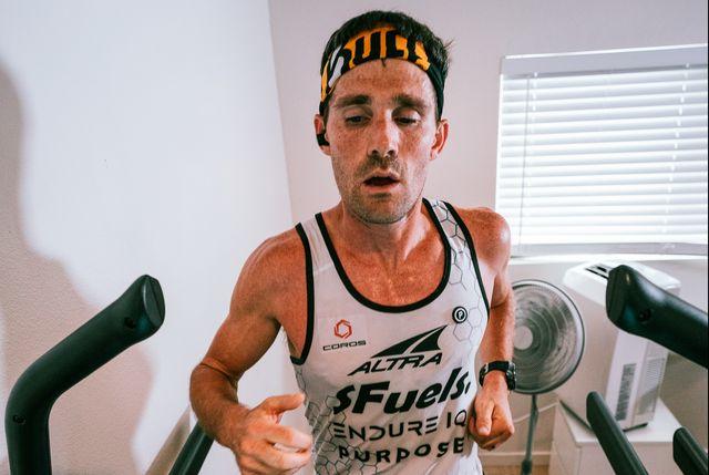 zach bitter during his 100 mile treadmill world record run