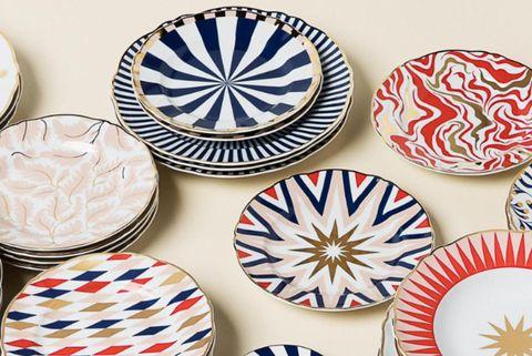 Dishware, Dinnerware set, Tableware, Plate, Porcelain, Blue and white porcelain, Ceramic, Serveware, Pattern, Platter,