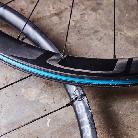 Bicycle tire, Bicycle wheel, Rim, Spoke, Tire, Bicycle part, Wheel, Bicycle wheel rim, Bicycle fork, Automotive wheel system,