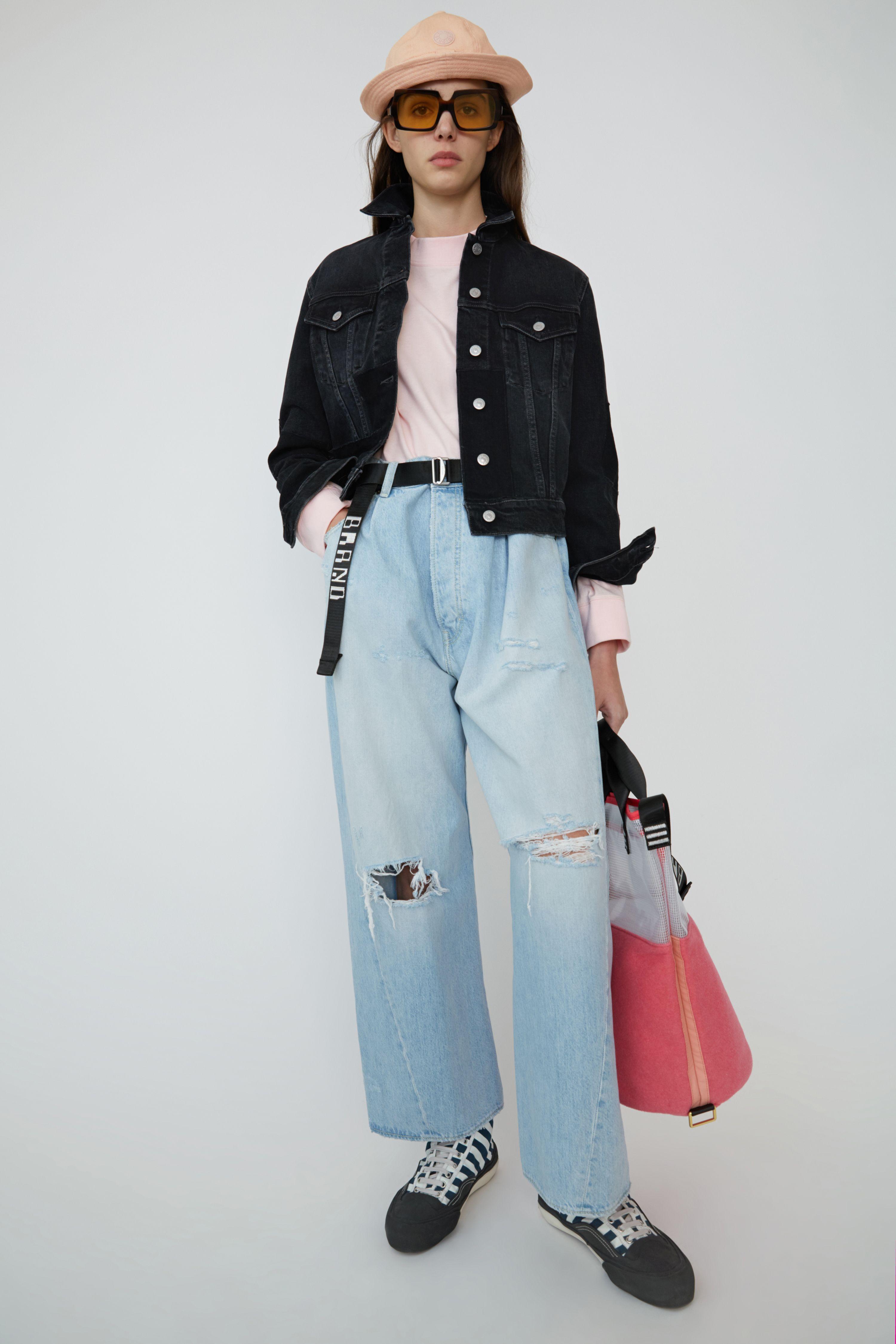 giacche di jeans 2019, giubbotti di jeans, jeans moda primavera estate 2019, jeans primavera estate 2019, denim 2019, denim primavera estate 2019, giacche di jeans vintage