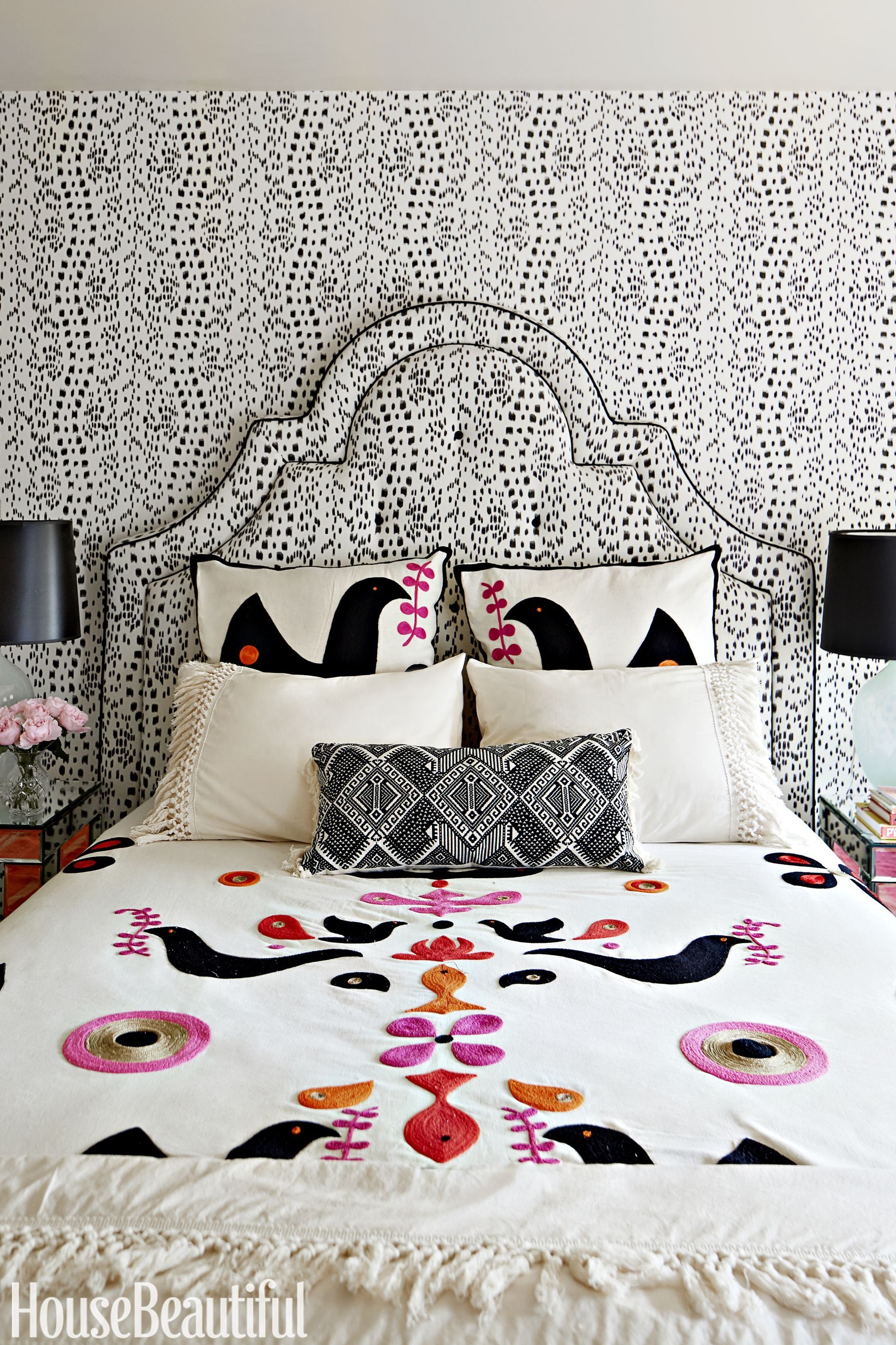 : black and white room decor ideas - www.pureclipart.com