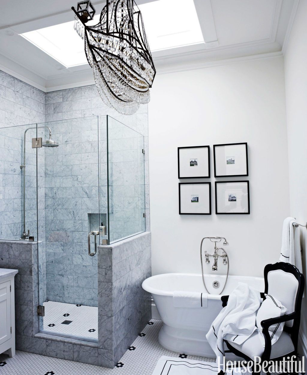 15 Black and White Bathroom Ideas - Black & White Tile Designs We Love
