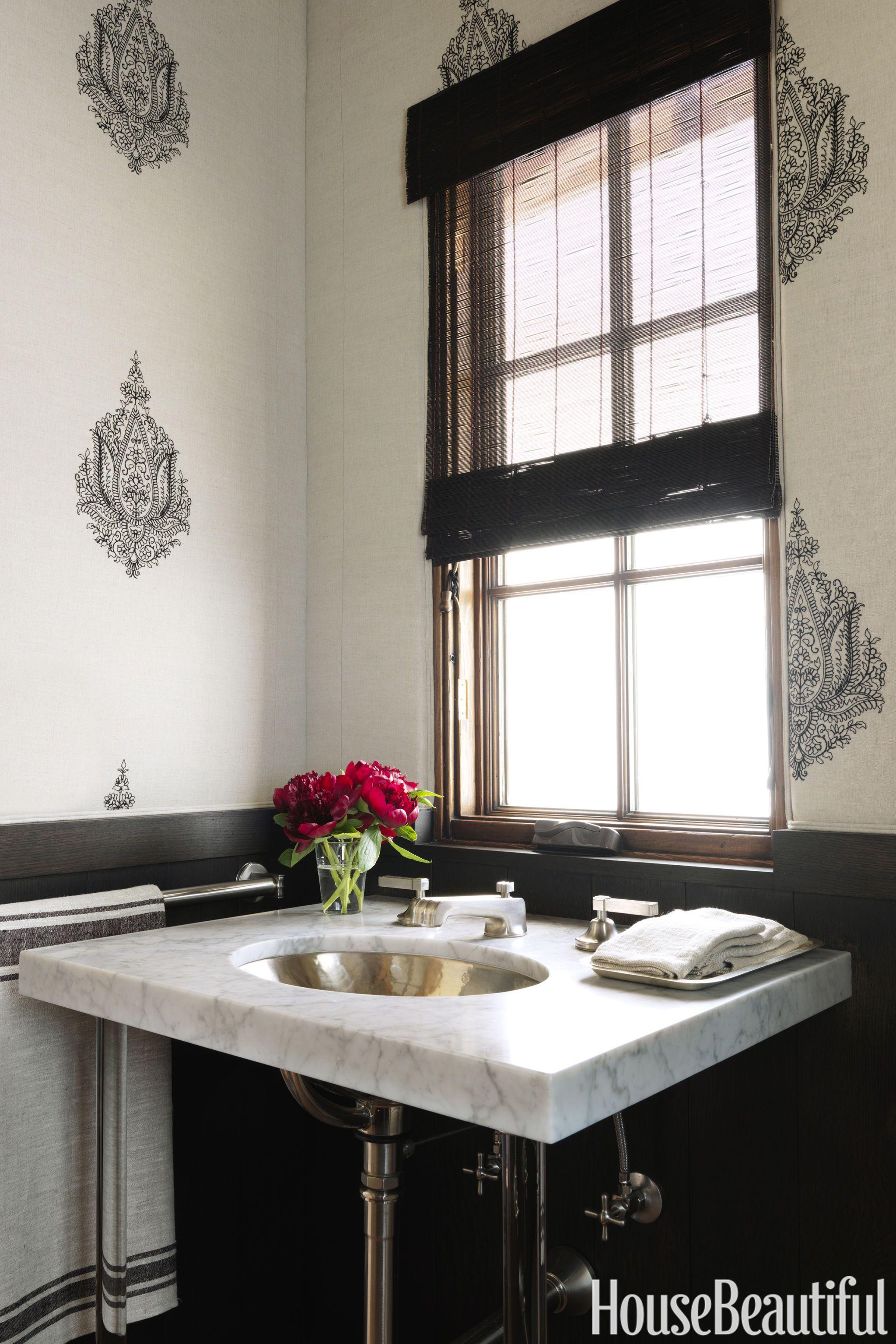 Black and white bathroom - design, photo