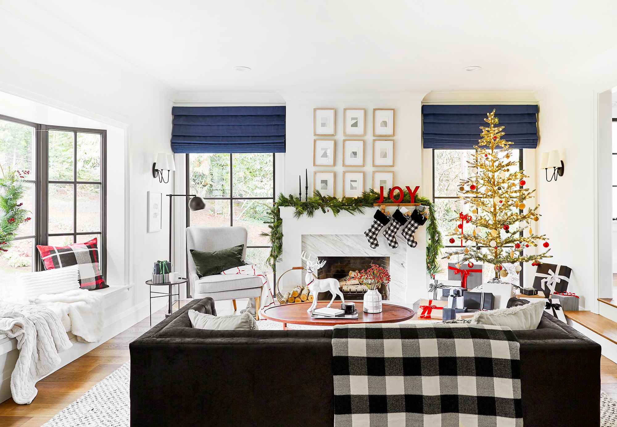 12 Best Black And White Christmas Decorations Chic Black And White Holiday Decor