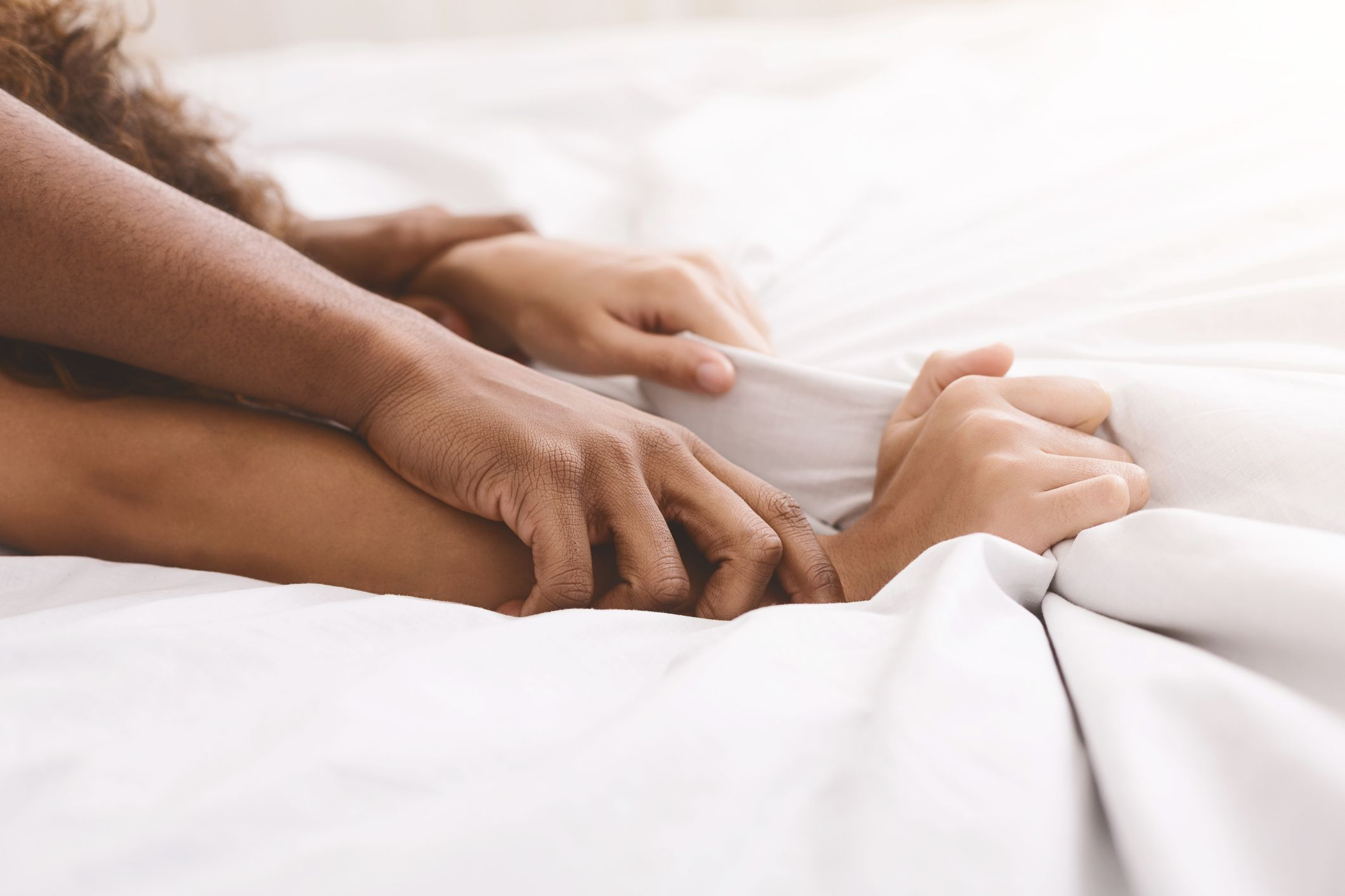 Everything You Need To Know About Having Sex On The First Date