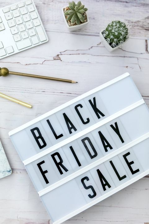 Black friday sale on white table