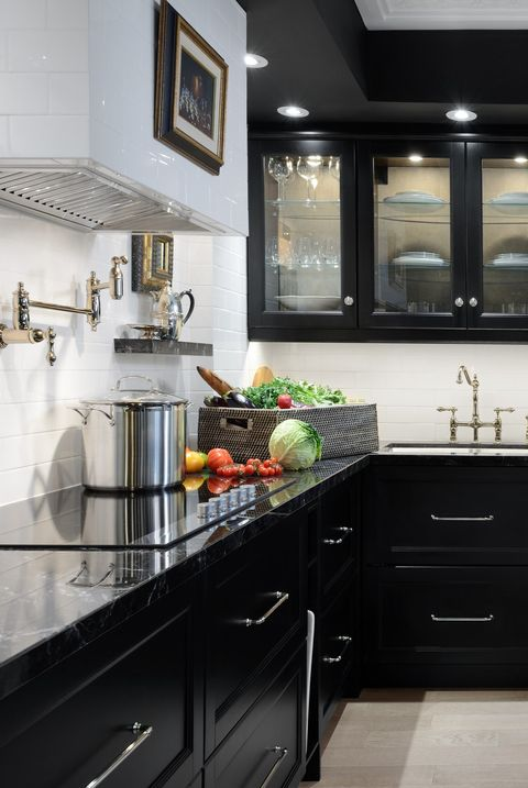 30 sophisticated black kitchen cabinets kitchen designs with black cupboards. Black Bedroom Furniture Sets. Home Design Ideas
