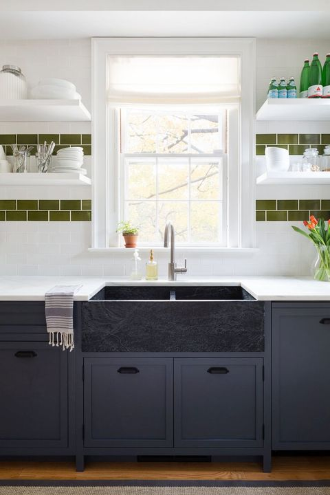 21 Black Kitchen Cabinet Ideas, White Kitchen Cupboards With Black Countertops