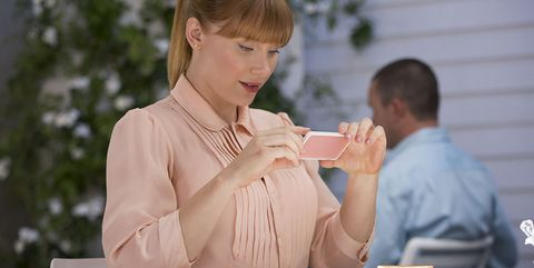 Serveware, Dishware, Jewellery, Saucer, Brown hair, Blond, Coffee cup, Peach, Plate, Drinking,
