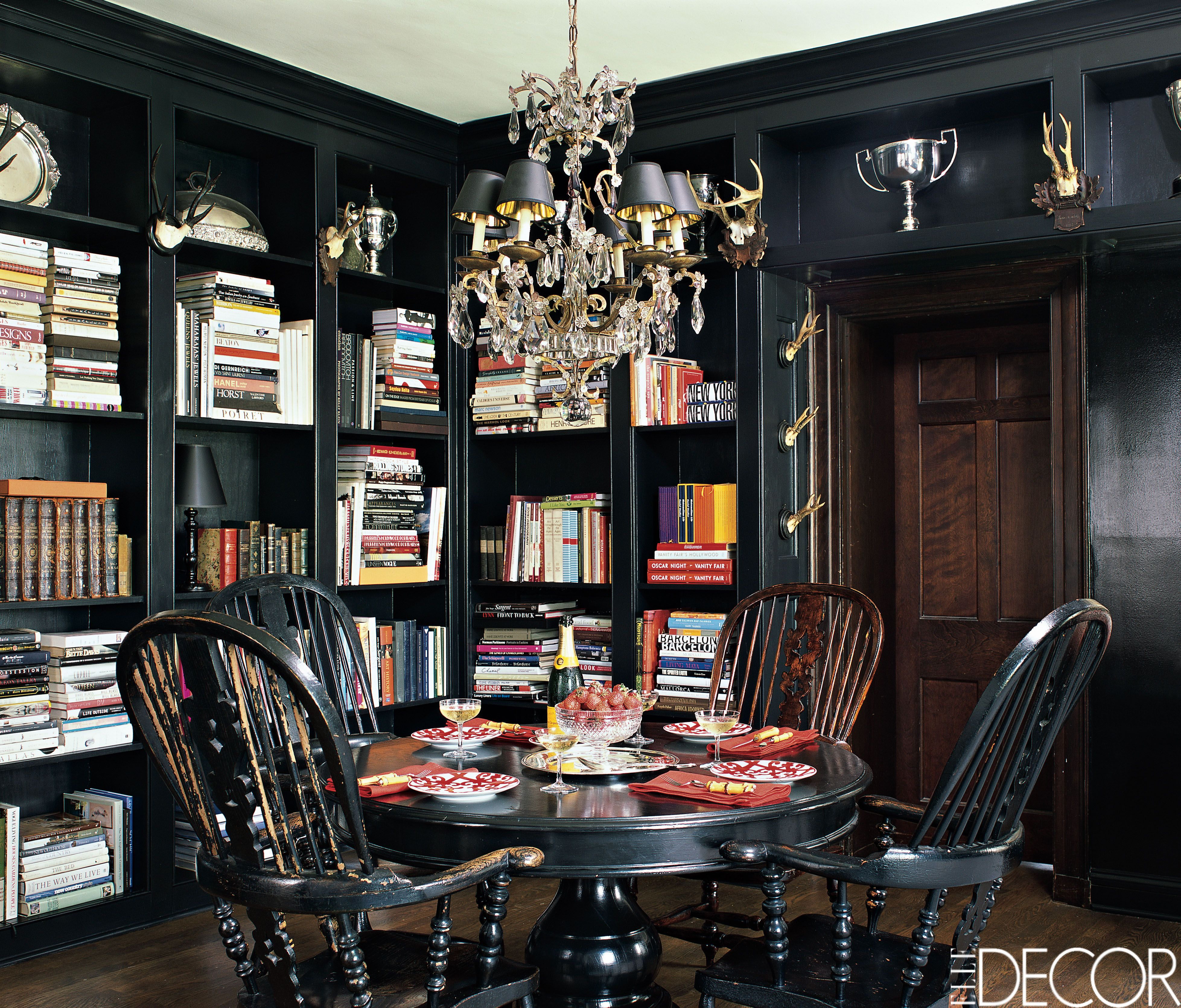 35 Black Room Decorating Ideas