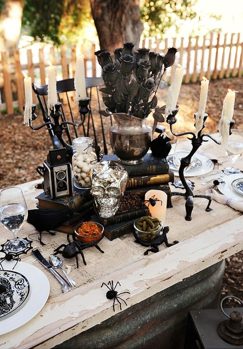 10 best halloween table decoration ideas diy halloween. Black Bedroom Furniture Sets. Home Design Ideas