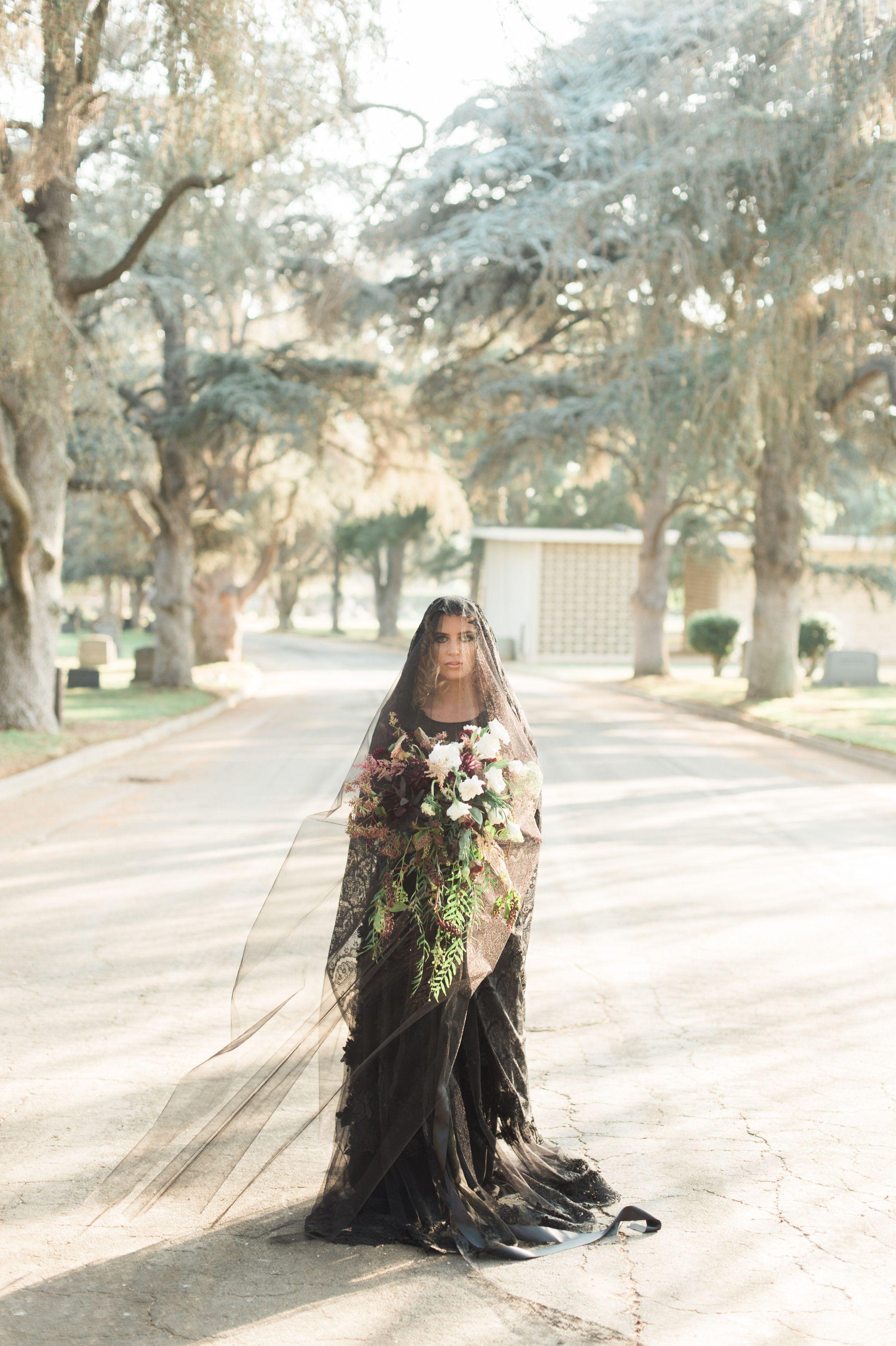 20+ Halloween Wedding Ideas - Gothic Weddings