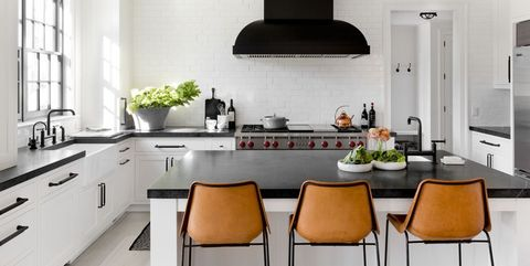 26 Gorgeous Black & White Kitchens - Ideas for Black & White ... on cabinets above stove, lighting above stove, backsplash behind stove, tile mural above stove, subway tile above stove, decorative tile above stove, microwave above stove, accent tile above stove,