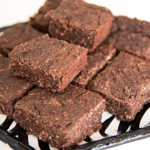 Dish, Food, Cuisine, Chocolate brownie, Fudge, Dessert, Ingredient, Chocolate, Baked goods, Snack cake,