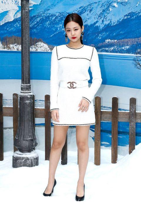 Blue, Clothing, Skin, Fashion, Beauty, Leg, Standing, Dress, Footwear, Electric blue,