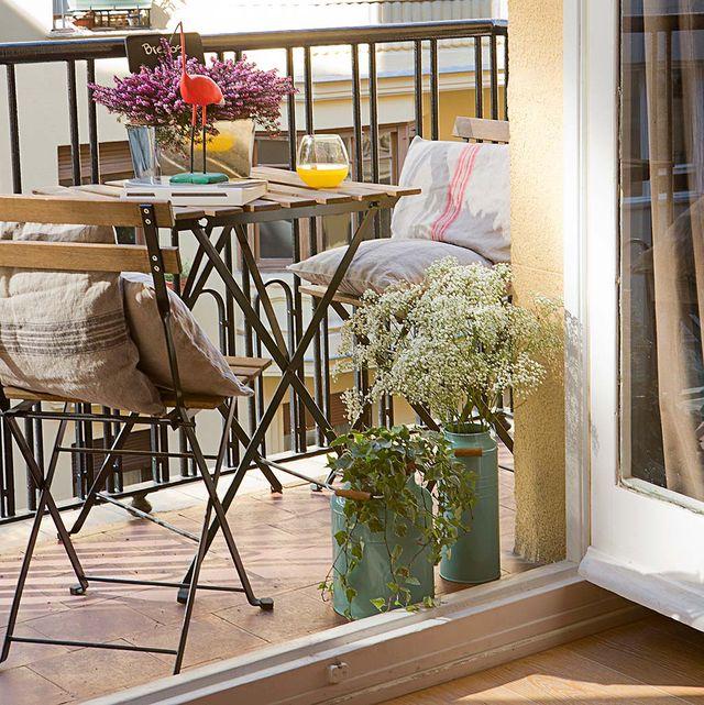 el estilo retro lo impregna este balcón