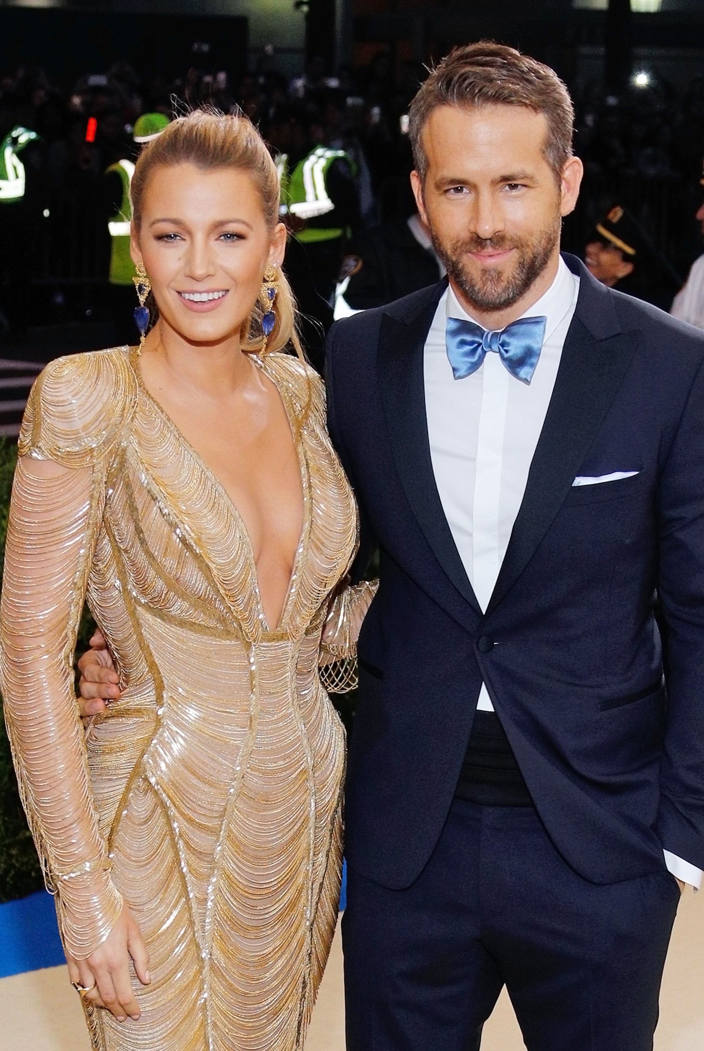 Blake Lively and Ryan Reynolds Both Blake Lively and Ryan Reynolds have that blonde, tan, California movie star vibe going for them. Plus, they have outgoing personalities to match.