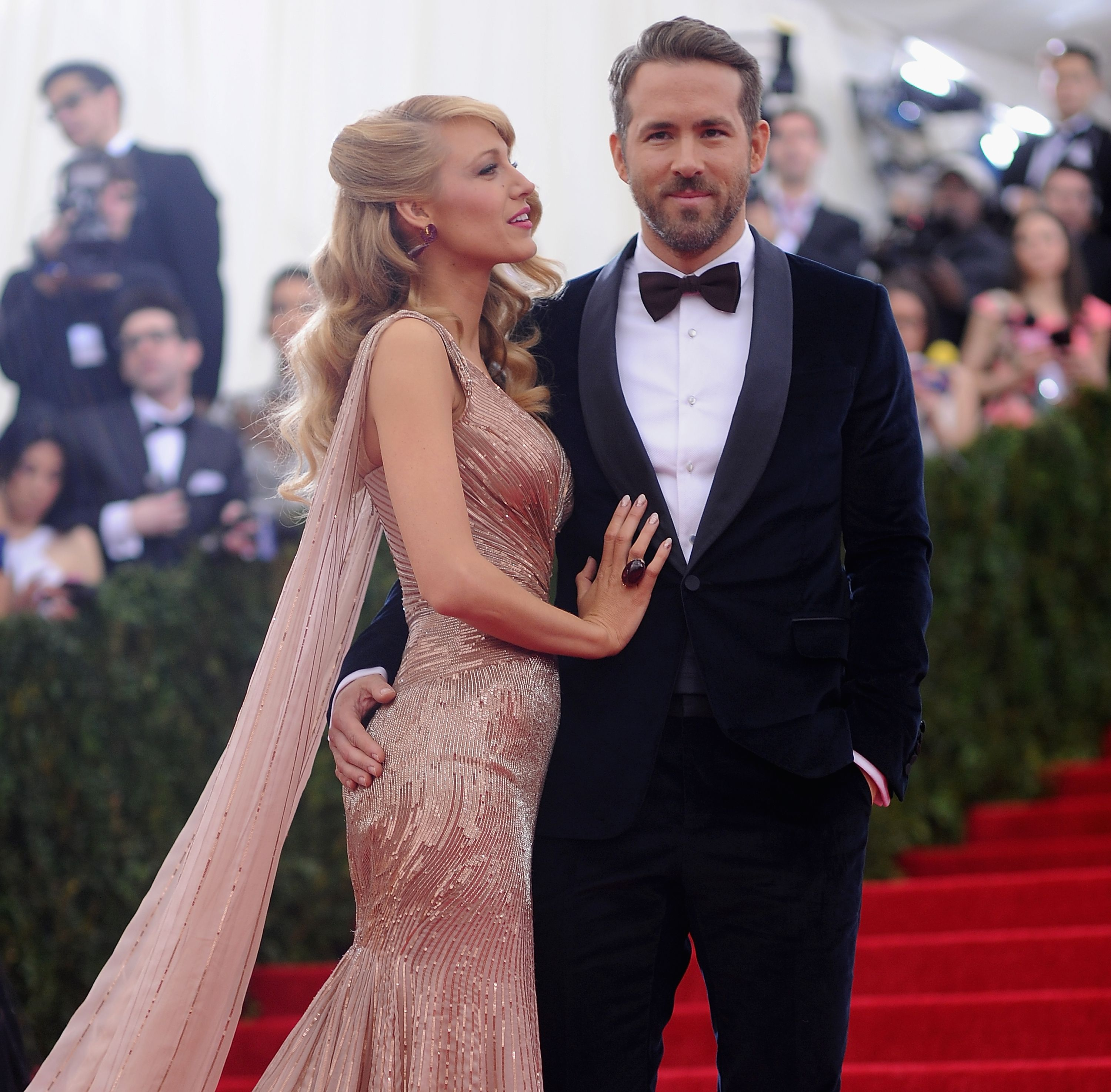 "Ryan Reynolds on the ""greatest present"" Blake Lively has ever given him"