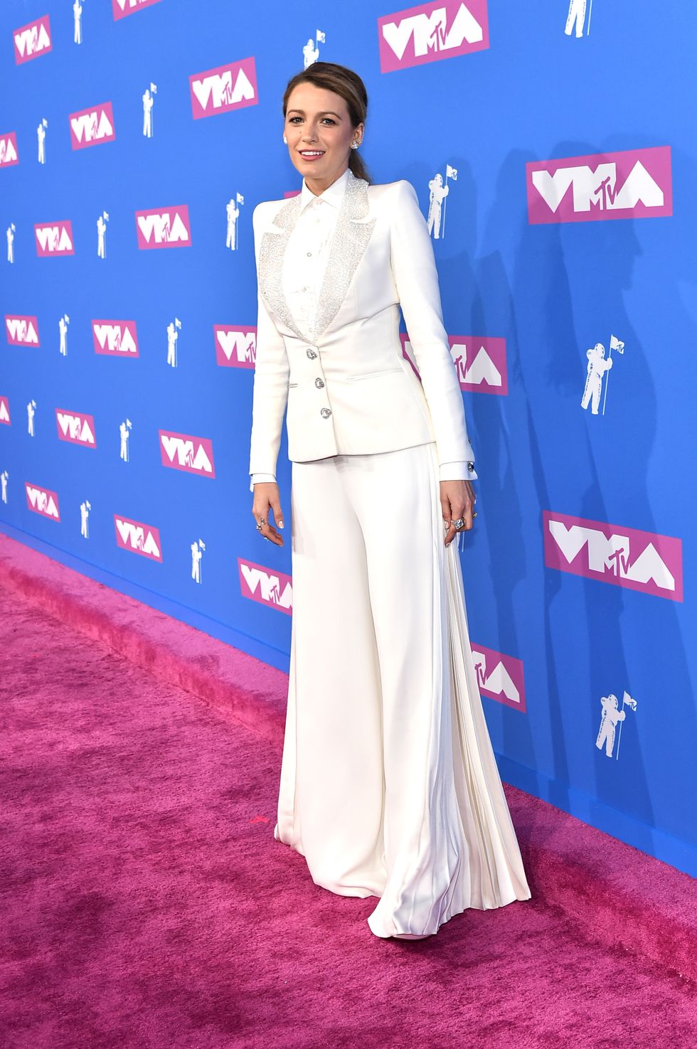 Blake Lively Looks Hot (Like, Temperature-Wise) in a White Suit at the MTV VMAs