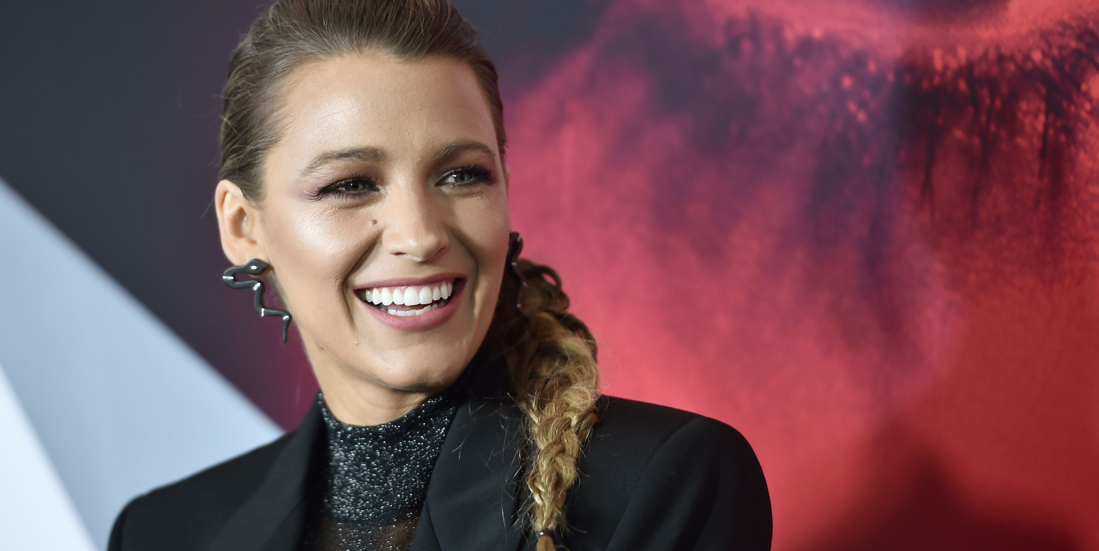 Blake Lively Thought a Photographer Was Complimenting Her Boobs But He Was Complimenting Her Tweets
