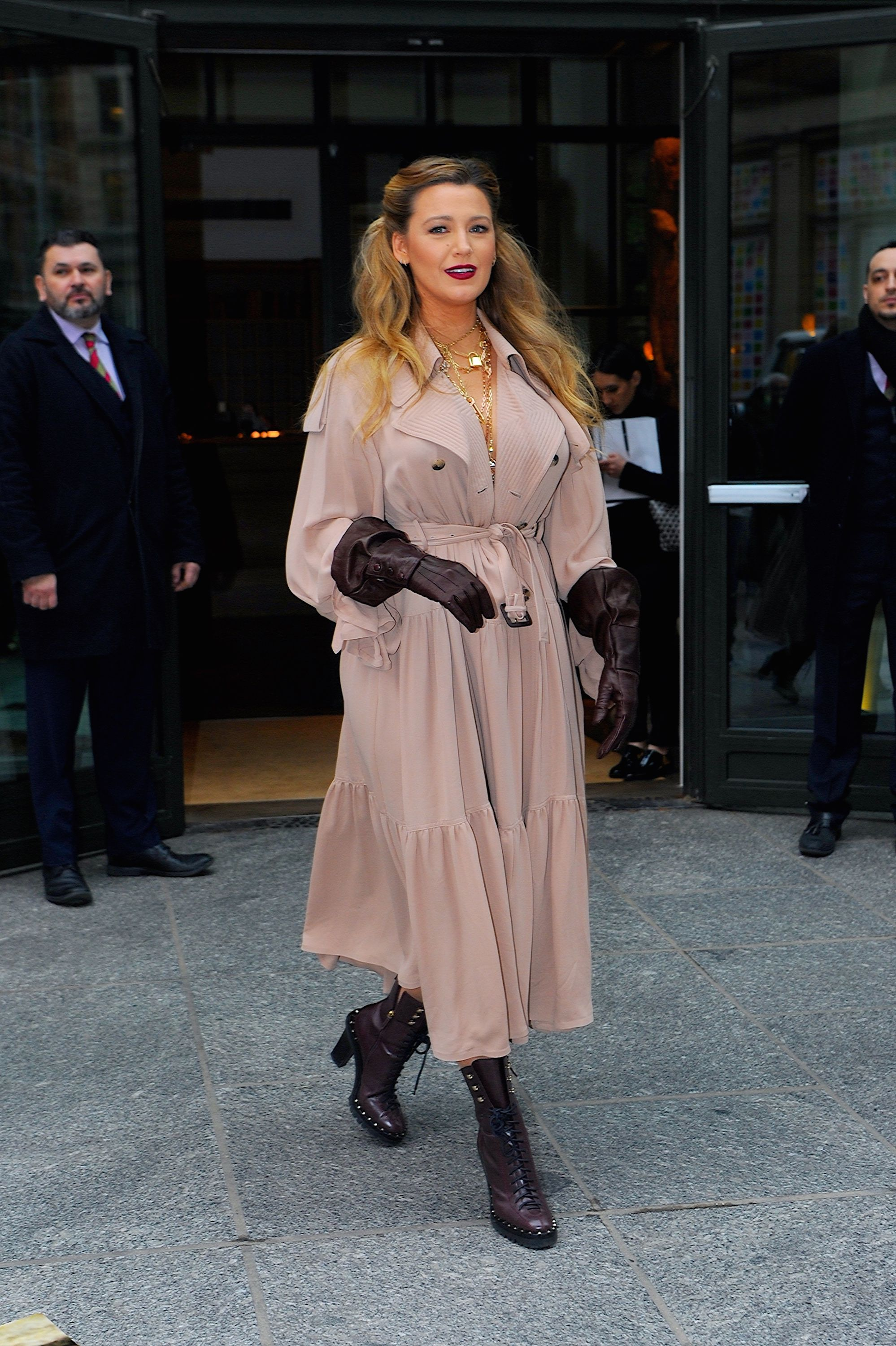 Blake Lively Went for a Vintage Femme Fatale Vibe to Kick Off Her New Press Tour