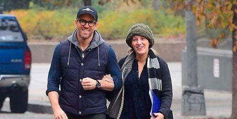 Blake Lively y Ryan Reynolds paseando